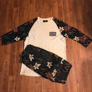 10.Deep 2 Piece Set Shirt Size: XL/Pants Size: 40